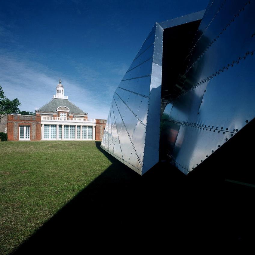 Figure 0.13: Daniel Libeskind, with Arup, Serpentine Pavilion (Eighteen Turns), 2001, Kensington Gardens, London. Courtesy of the Serpentine Gallery. Photograph: Stephen White.