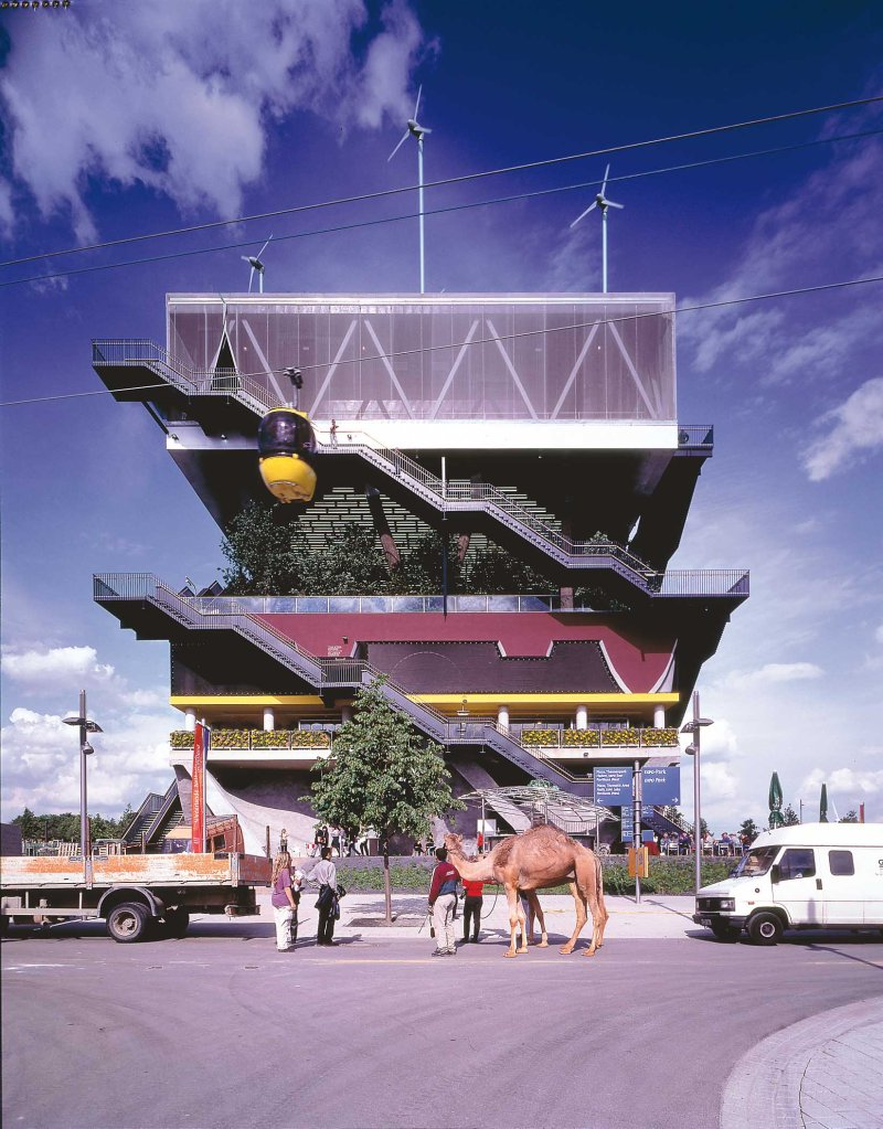 Figure 0.5: MVRDV, Holland Pavilion, Hannover World Exposition 2000. Courtesy of MVRDV.