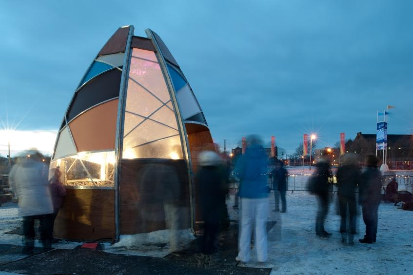 Figure 14.1: @Lab (Sarah Bonnemaison and Robin Muller), Winter Warming Hut, Halifax, 2011. Courtesy of Sarah Bonnemaison.
