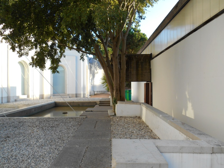 Figure 3.32: View looking south across the gardens of the Brazilian pavilion, with the Padiglione Venezia on the left. Photograph: Joel Robinson.