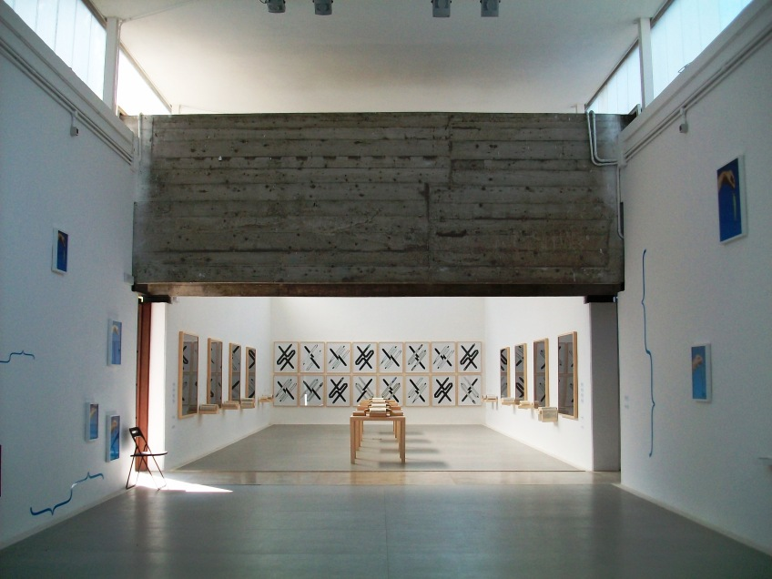 Figure 3.33: View of the beam dividing the interior galleries of the Brazilian pavilion, showing the installation of the exhibition Inside/Outside (2013), curated by Luis Pérez-Oramas and including the work of Max Bill, Lygia Clark, Hélio Fervenza, Odires Mlászho, and Bruno Munari. Photograph: Joel Robinson.