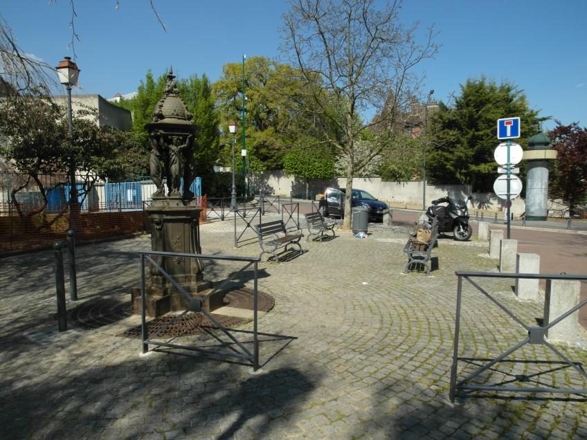Figure 17.10 Haussmannian street furniture, reassembled in Nogent-sur-Marne. Photograph: Michaela Giebelhausen.